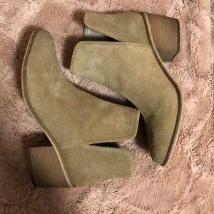 Women's BP taupe booties
